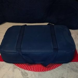 Pyrex Portables Other - Authentic Pyrex portables w carrying bag